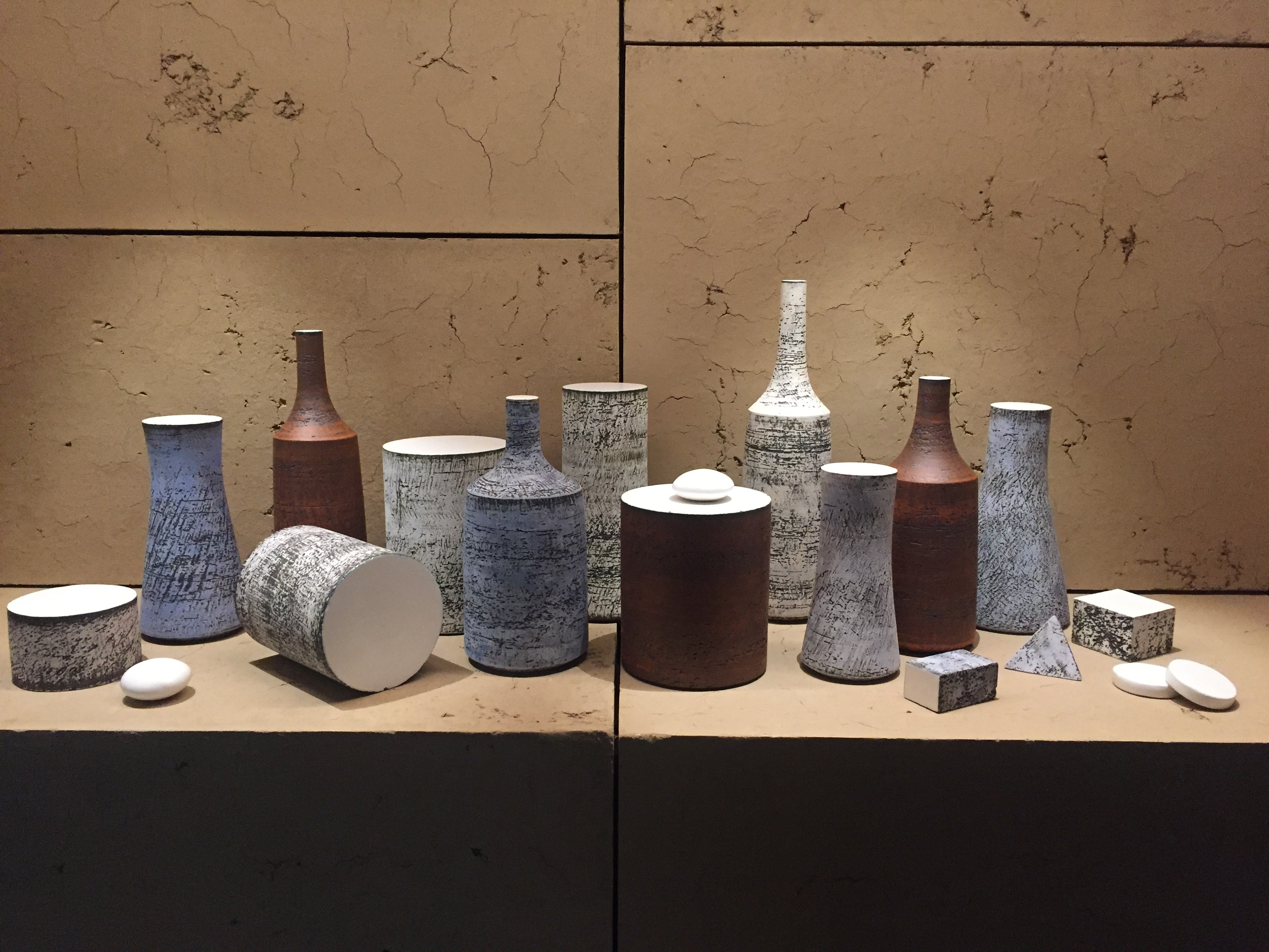 Nature Morte (glazed clay) by Kristin Mekirdy at Foundation Bettencourt Schueller's Pour l'intelligence de la Main